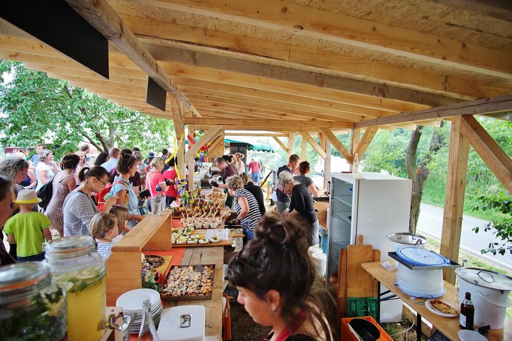 Hoffest 2019 Stand mit Essen und Trinken